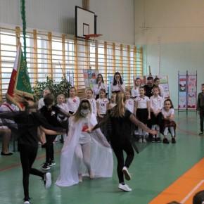 W karnickiej szkole uczcili odzyskanie niepodległości
