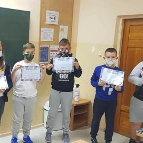 Nagrody dla uczniów karnickiej szkoły w konkursie języka angielskiego